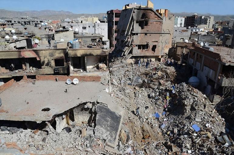 سکوت اتحادیه ی اروپا در خصوص قتل عام کردها توسط ترکیه در قبال کنترل پناه جویان